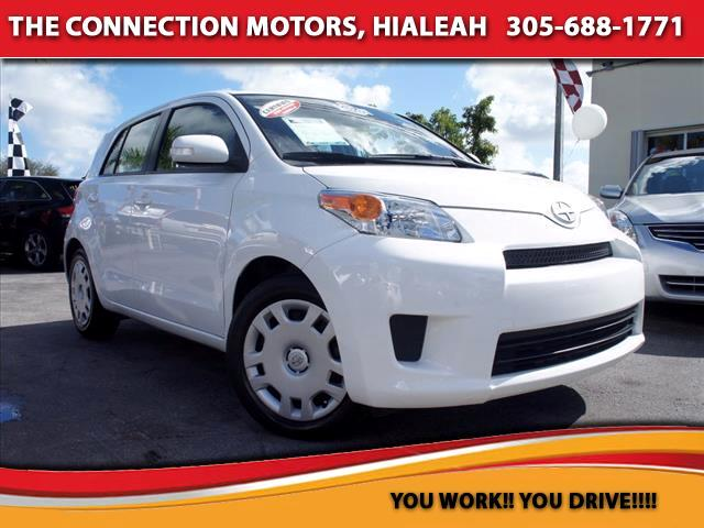 2009 Scion xD 2009 Scion xD comes with 18 L Inline 4-cylinder 128 hp  6000 rpm 4-speed automatic