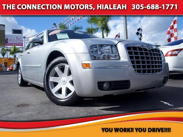 2005 Chrysler 300 2005 Chrysler 300 Touring This car is equipped with 35 L V6 cylinder engine 250