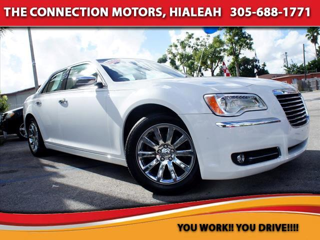 2012 Chrysler 300 VIN 2C3CCACG9CH310171 28k miles Options Air Conditioning Bucket Seats Cruis