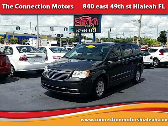 2011 Chrysler Town  Country GREAT SELECTION OF HIGH QUALITY VEHICLES AT THE LOWEST PRICE WE FINANC