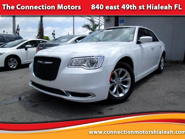 2015 Chrysler 300 GREAT SELECTION OF HIGH QUALITY VEHICLES AT THE LOWEST PRICE WE FINANCE EVERYBOD