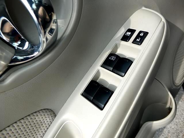 2016 Nissan Versa 1.6 S 5M