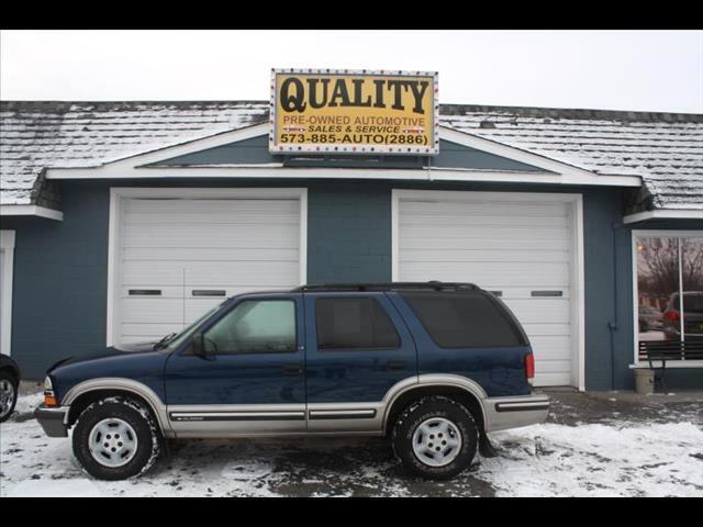 1999 Chevrolet Blazer LS 4-Door 4WD
