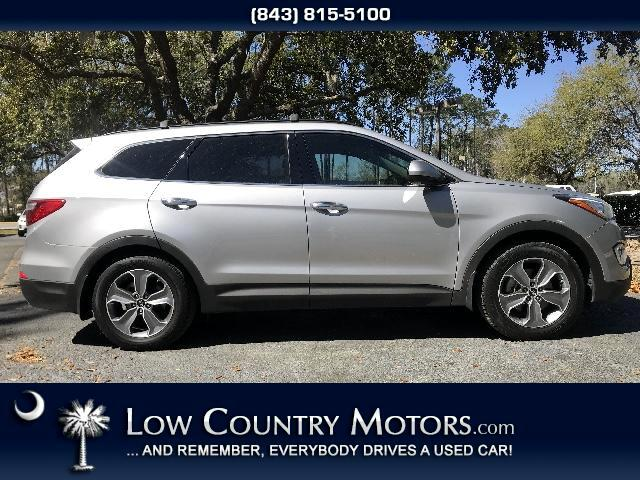 2016 Hyundai Santa Fe SE FWD With 3rd Row Seat