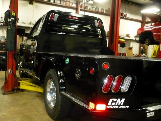 2017 CM SK SKIRTED FLAT BED