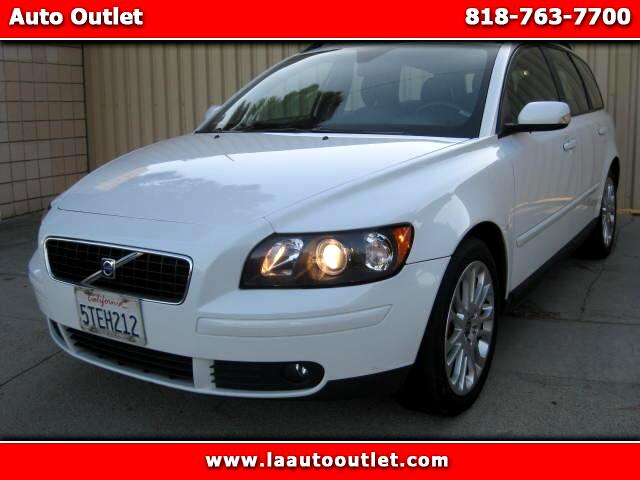 2006 Volvo V50 2006 VOLVO V50 24I WAGON IS CARFAX CERTIFIED SUPER CLEAN CAR WHITE WITH BLACK LEATH