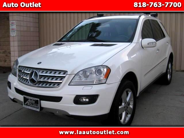 2006 Mercedes M-Class 2006 MBZ ML500 IS CARFAX CERTIFIED SUPER CLEAN SUV WHITE WITH BLACK HEATED LE