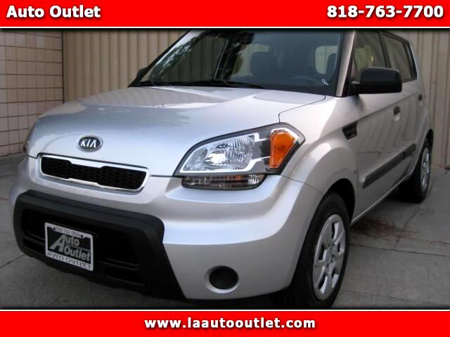 2010 Kia Soul 2010 KIA SOUL IS CARFAX CERTIFIED ONE OWNER CAR SILVER WITH BLACK CLOTH INTERIOR 5 S
