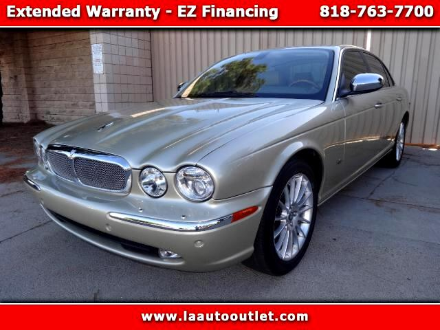 2007 Jaguar XJ-Series 2007 JAGUAR XJ8 IS SUPER CLEAN DRIVES EXCELLENT AUTOMATIC HAS LOW 62661 MILES