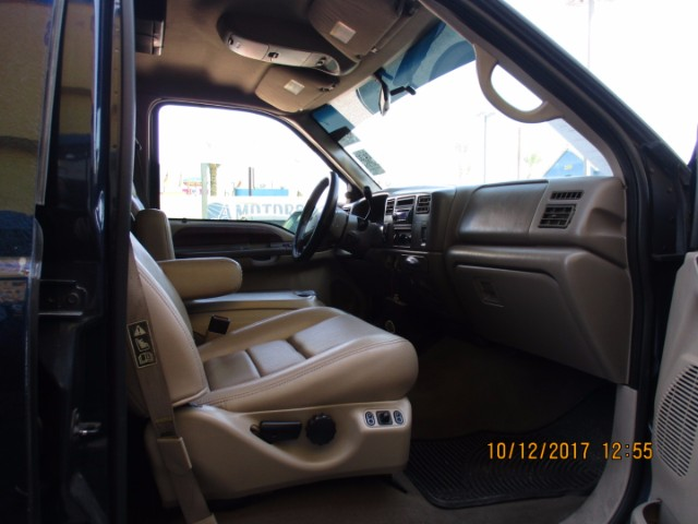 2002 Ford F-250 SD Lariat Crew Cab Long Bed 4WD