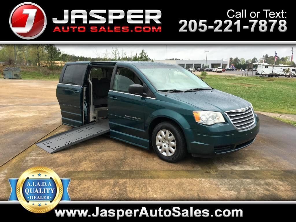 2009 Chrysler Town & Country Braun Entervan