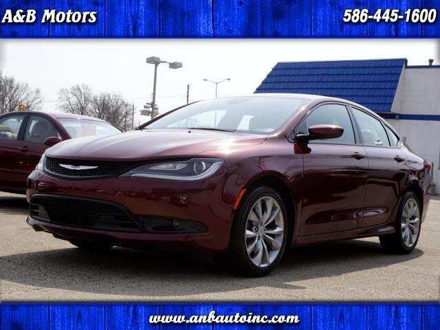 2016 Chrysler 200 S AWD