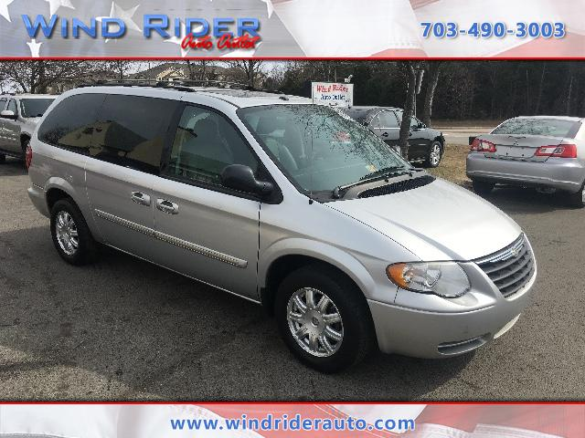 2006 Chrysler Town & Country Touring-L