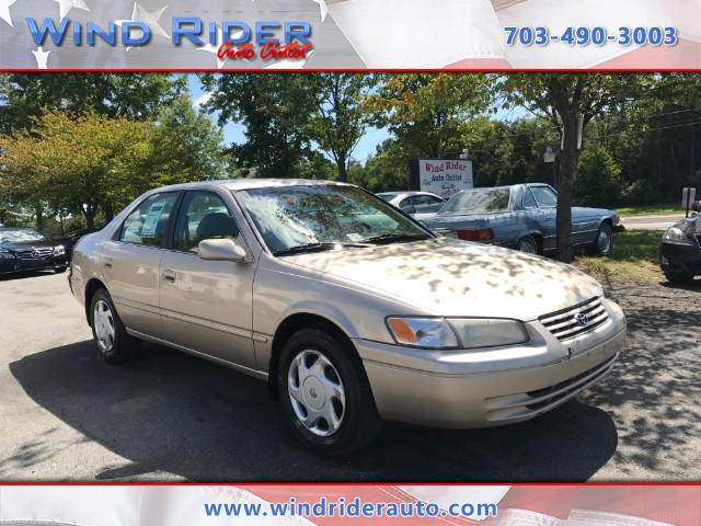 1997 Toyota Camry LE 5-Spd AT