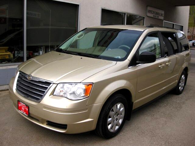 2010 Chrysler Town & Country LX
