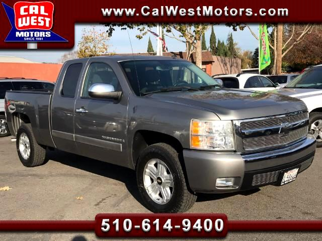 2007 Chevrolet Silverado 1500 Z71 OffRoad 4X4 LT Extended Cab 4D 1Owner SuperCle