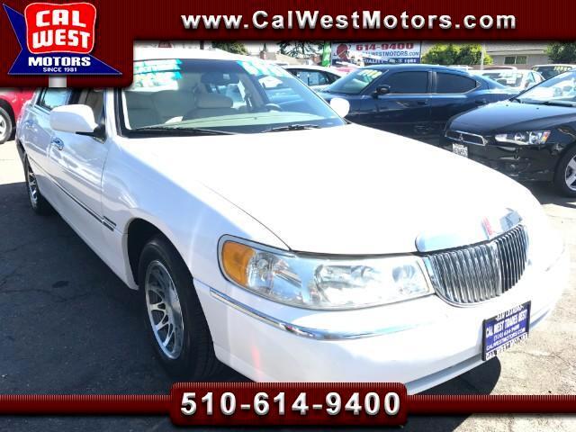 2000 Lincoln Town Car Signature Sedan LowMiles SuperClean FullSizeComfor
