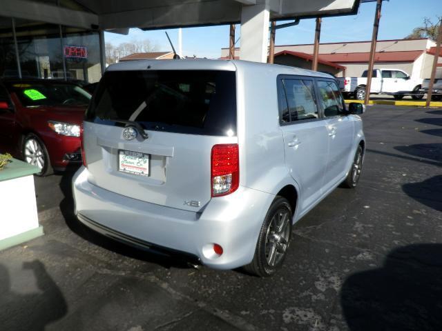 2013 Scion xB 5-Door Wagon 4-Spd AT