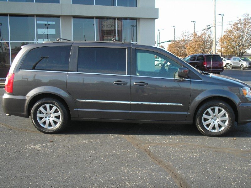 View Chrysler Town & Country details