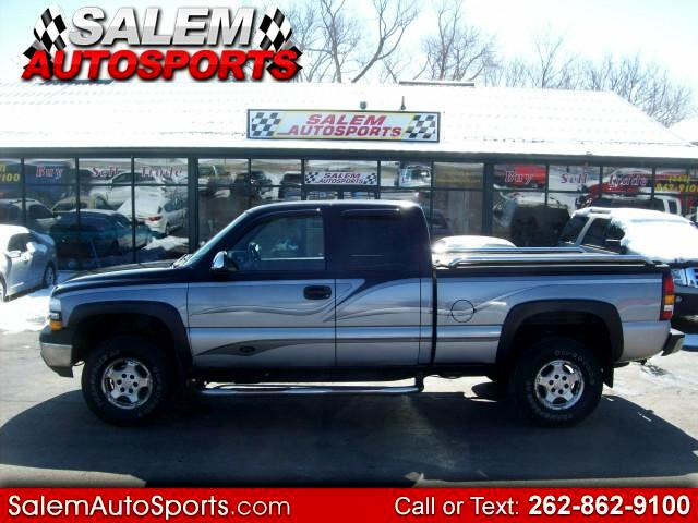 2002 Chevrolet Silverado 1500 LS Ext. Cab 4-Door Short Bed 4WD