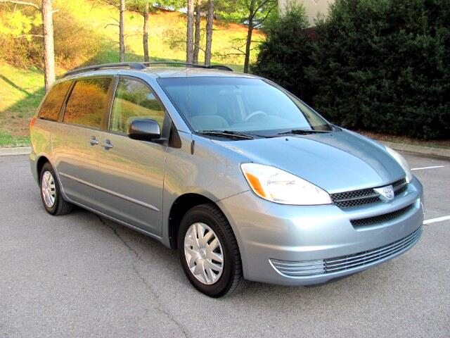 2005 Toyota Sienna LE 4 Door Handicap with scooter and lift