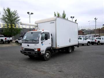 2010 Nissan UD1400