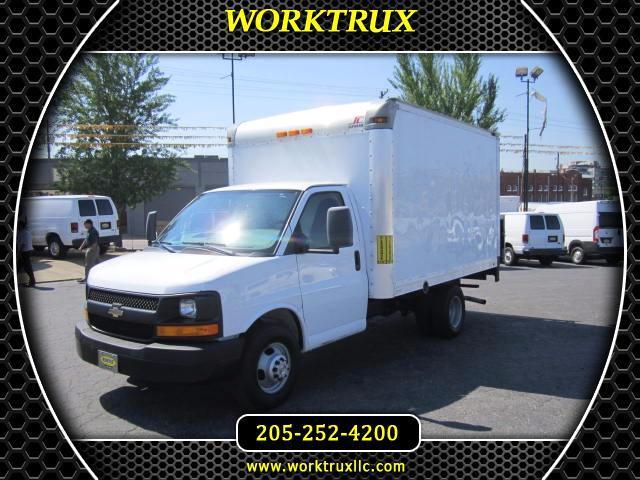 2012 Chevrolet Express 12' BOX