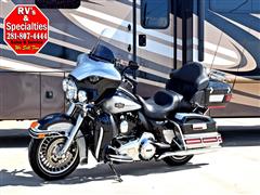 2013 Harley-Davidson FLHTCU