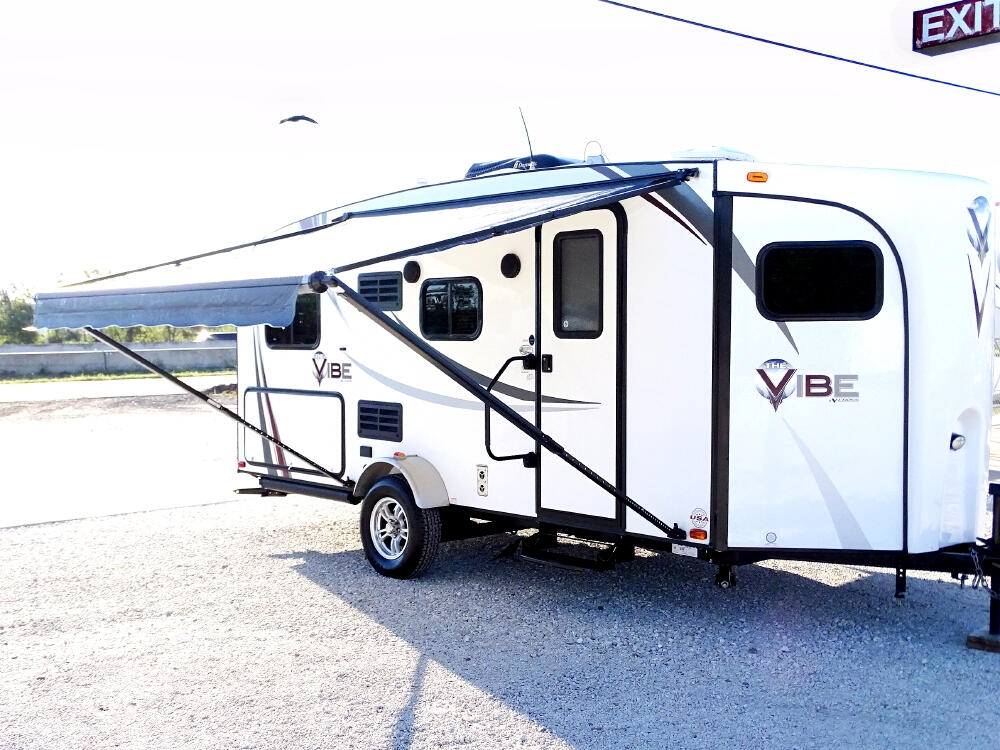 Used 2014 Forest River V-Cross Vibe 6506 for Sale in ...