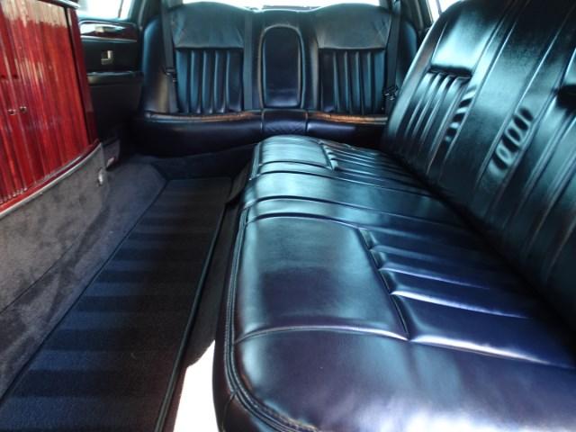 2004 Lincoln Town Car Limousine