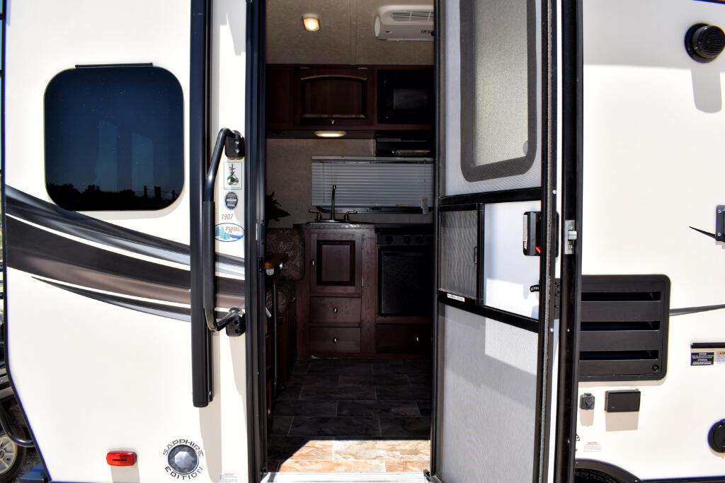 2015 Forest River Rockwood Mini Lite 1907