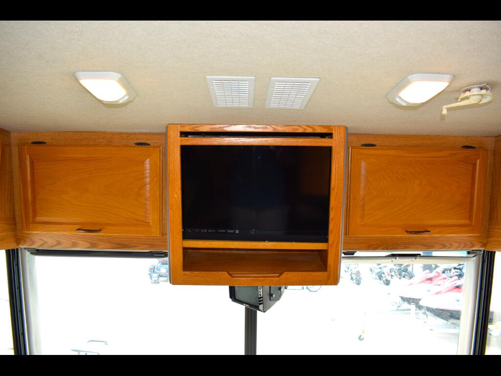 2004 Fleetwood Flair 31A