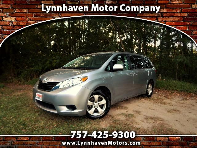 2014 Toyota Sienna LE 8 Passenger, Rear Camera, Bluetooth, Only 24k m