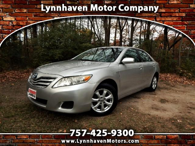 2011 Toyota Camry LE w/ Alloy wheels, Power seat, Recent trade, Nice