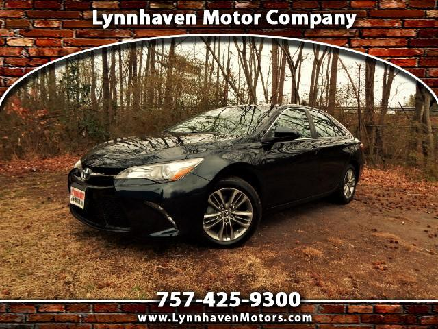 2016 Toyota Camry SE w/ Leather Trim, Rear Camera, Bluetooth, 23k mi