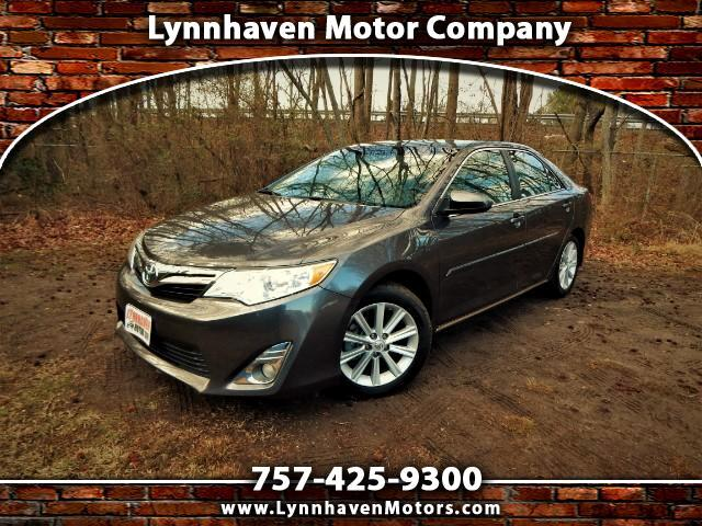 2014 Toyota Camry XLE w/ Navigation,Sunroof,Leather,18k Miles!