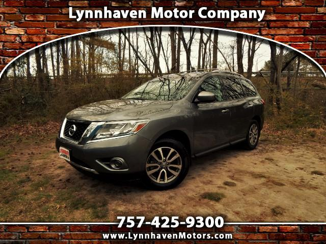 2015 Nissan Pathfinder S 4WD, 3rd Row Seat, One Owner, Only 25k Miles!