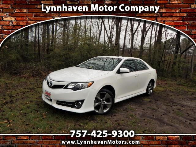2014 Toyota Camry SE Sport w/ Sunroof, Rear Camera, Only 27k Miles!