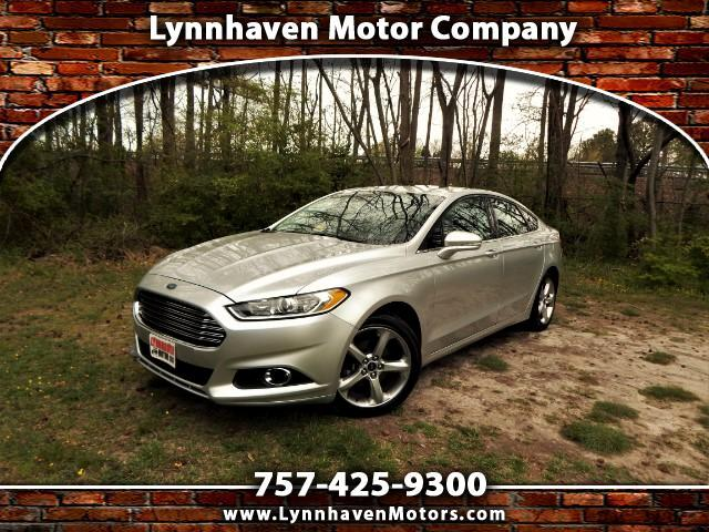 2015 Ford Fusion SE Turbo w/ Navigation, Camera, Sunroof, 19k Miles