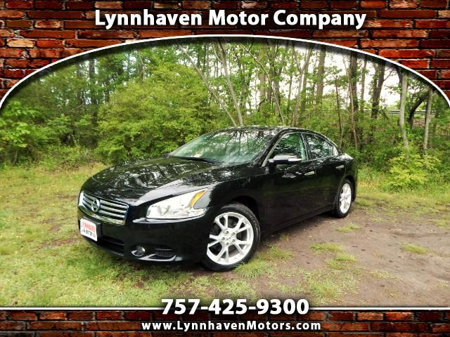 2014 Nissan Maxima SV w/ Tech. Pkg. Navigation, Dual Moonroof, Camera
