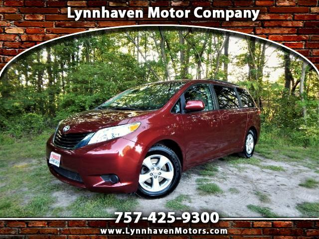2013 Toyota Sienna LE 8-Passenger, Rear Camera, 21k Miles, 1 Owner!
