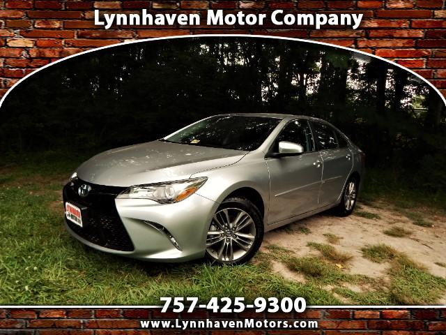 2016 Toyota Camry SE w/ Rear Camera, Leather Trim Interior, Only 8k