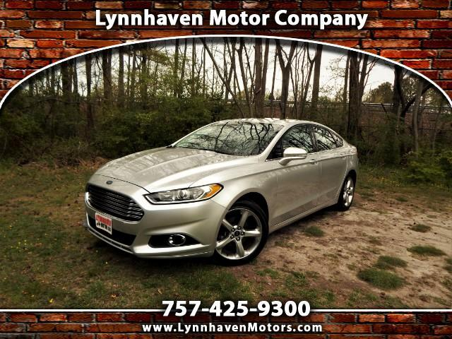 2014 Ford Fusion SE Turbo w/ Ecoboost, Power Sunroof, Rear Camera!
