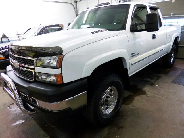 2005 Chevrolet Silverado 2500HD Ext. Cab Long Bed 4WD