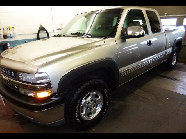 2000 Chevrolet Silverado 1500 LT Ext. Cab 3-Door Short Bed 4WD