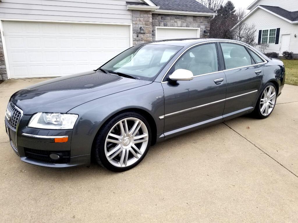 2007 Audi S8 Sedan