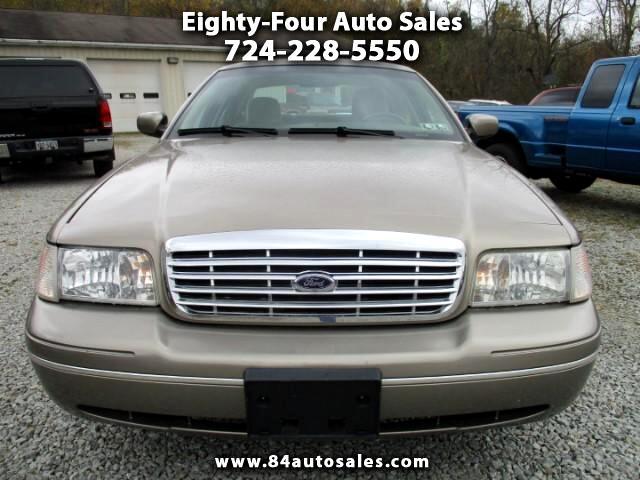 2003 Ford Crown Victoria Standard