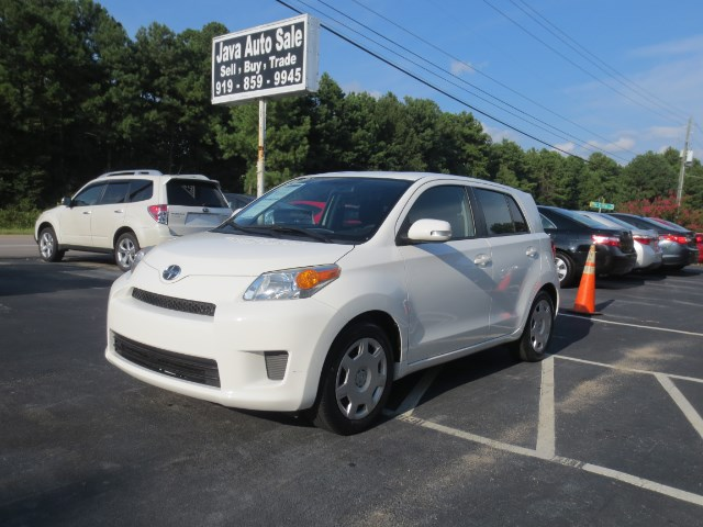 2012 Scion xD 5-Door Hatchback