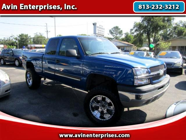 2003 Chevrolet Silverado 1500 LS Ext. Cab 4-Door Short Bed 4WD
