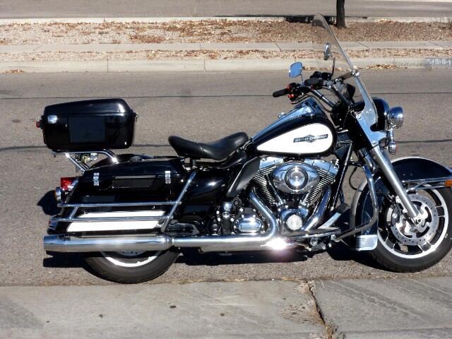 2011 Harley-Davidson FLHPI ROAD KING POLICE 103 ABS